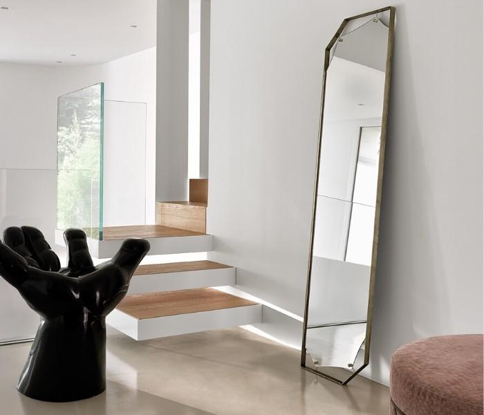 Entdecken Sie bei Conzept Beckord besondere Designmöbel! Hier finden Sie Fiam Italia Spiegel: Pinch