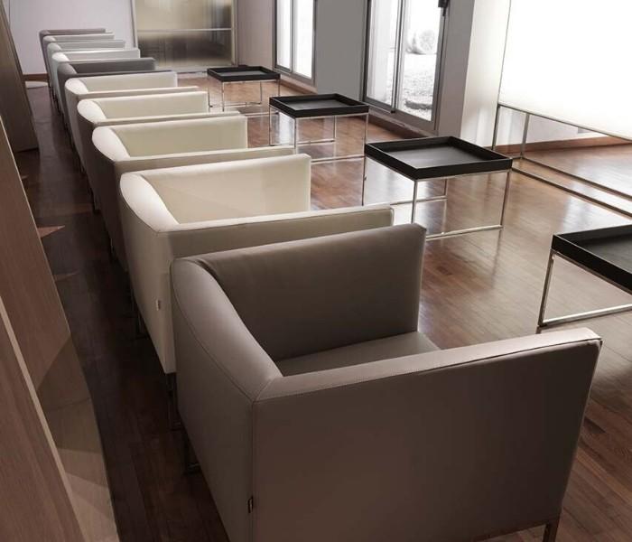 Entdecken Sie bei Conzept Beckord besondere Designmöbel! Hier finden Sie Frigerio Sessel: Asia soft