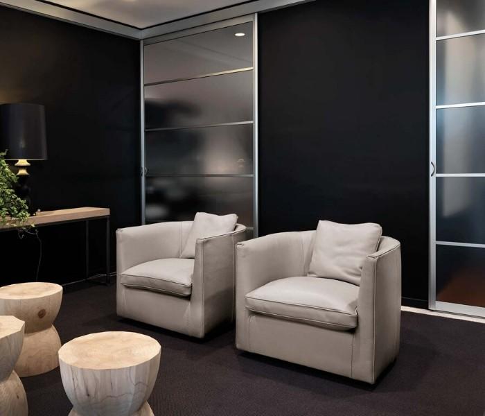 Entdecken Sie bei Conzept Beckord besondere Designmöbel! Hier finden Sie Frigerio Sessel: Bice
