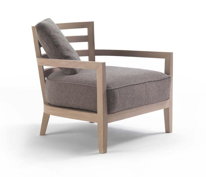 Entdecken Sie bei Conzept Beckord besondere Designmöbel! Hier finden Sie Frigerio Sessel: Louise