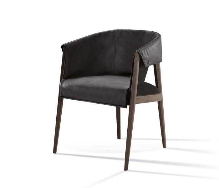 Entdecken Sie bei Conzept Beckord besondere Designmöbel! Hier finden Sie Frigerio Stühle: Liza