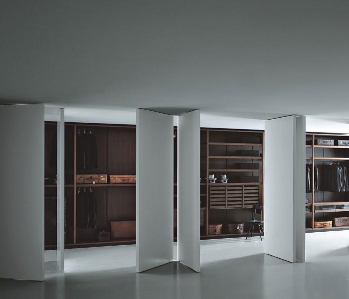 Entdecken Sie bei Conzept Beckord besondere Designmöbel! Hier finden Sie Porro Schranksysteme: Pivot