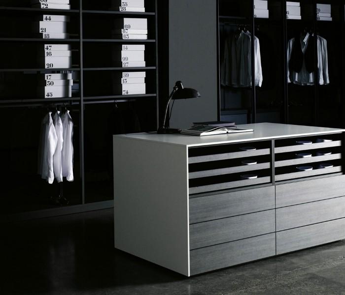Entdecken Sie bei Conzept Beckord besondere Designmöbel! Hier finden Sie Porro Storage: Cassettiera