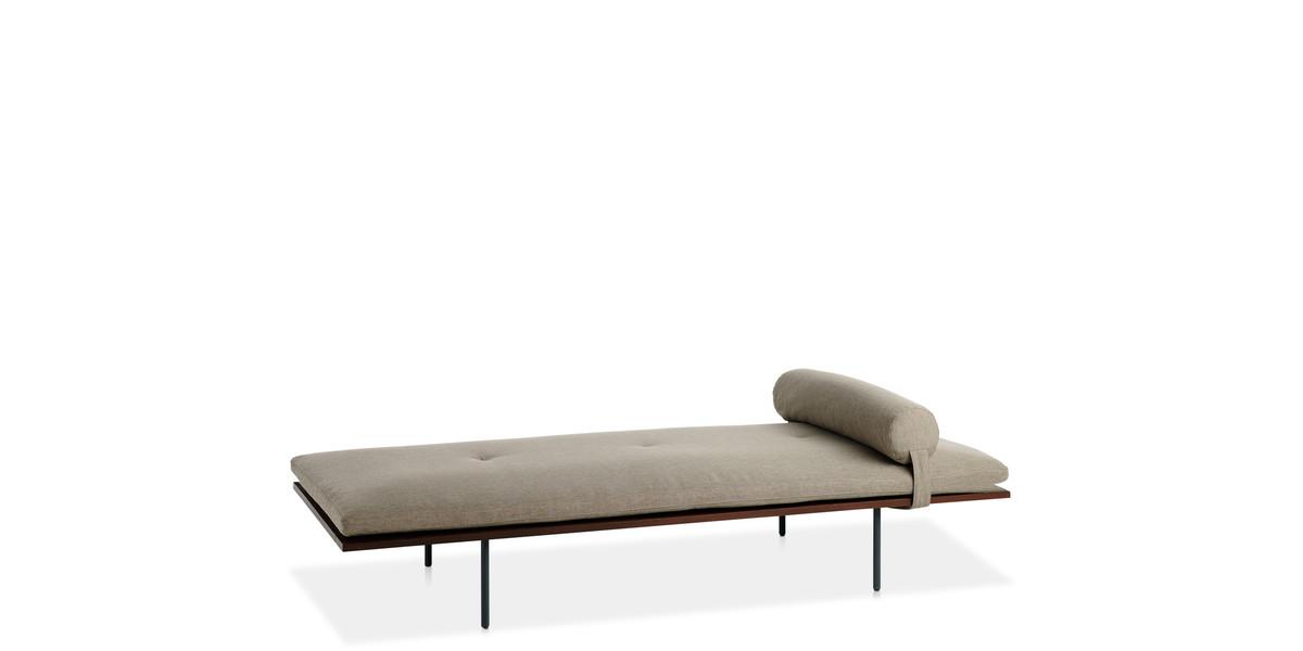 Entdecken Sie bei Conzept Beckord besondere Designmöbel! Hier finden Sie Potocco Daybeds: Loom