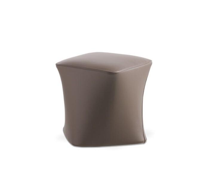 Entdecken Sie bei Conzept Beckord besondere Designmöbel! Hier finden Sie Potocco Hocker und Bänke: Dance