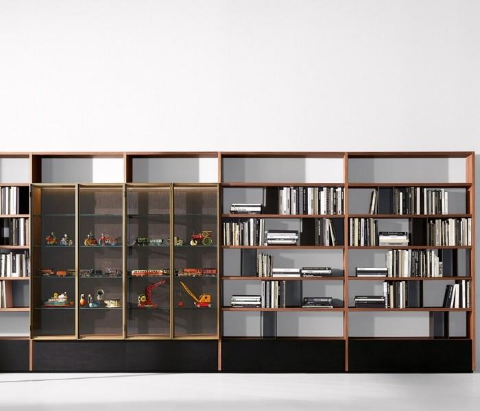 Entdecken Sie bei Conzept Beckord besondere Designmöbel! Hier finden Sie Potocco Regalsysteme: Vitrina