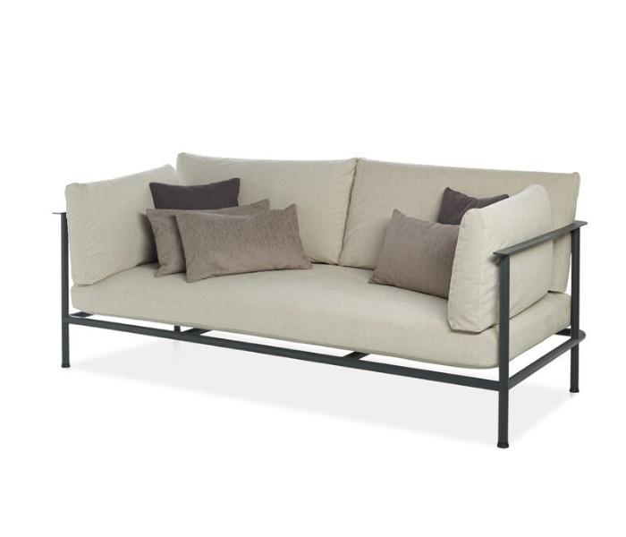 Entdecken Sie bei Conzept Beckord besondere Designmöbel! Hier finden Sie Potocco Sofas und Sessel: Elodie hell