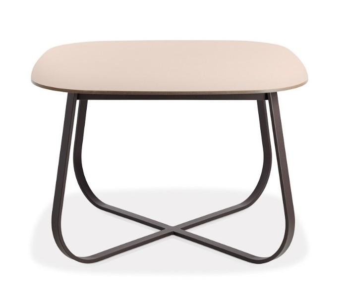 Entdecken Sie bei Conzept Beckord besondere Designmöbel! Hier finden Sie Potocco Tische: Pelote