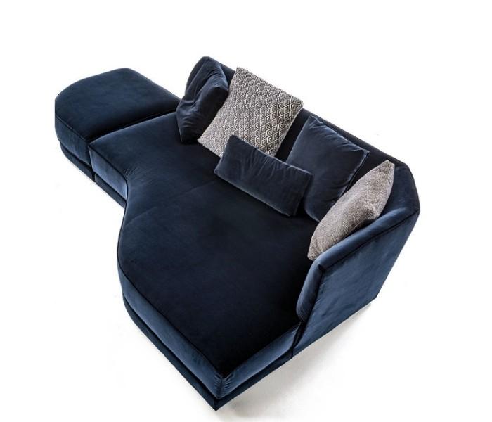Entdecken Sie bei Conzept Beckord besondere Designmöbel! Hier finden Sie Frigerio Sofas: Foster