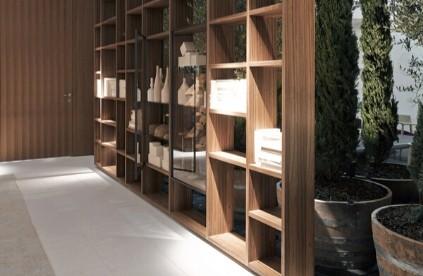 Entdecken Sie bei Conzept Beckord besondere Designmöbel! Hier sehen Sie Porro Regalsysteme: Interparete