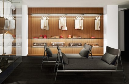 Entdecken Sie bei Conzept Beckord besondere Designmöbel! Hier finden Sie Porro Stühle: Traveller