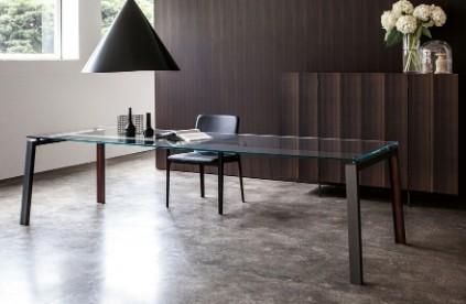 Entdecken Sie bei Conzept Beckord besondere Designmöbel! Hier finden Sie Porro Tische: ipe
